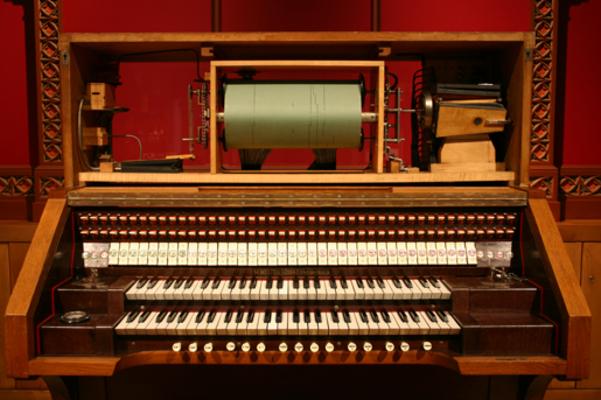 Britanni-Orgel Spieltisch